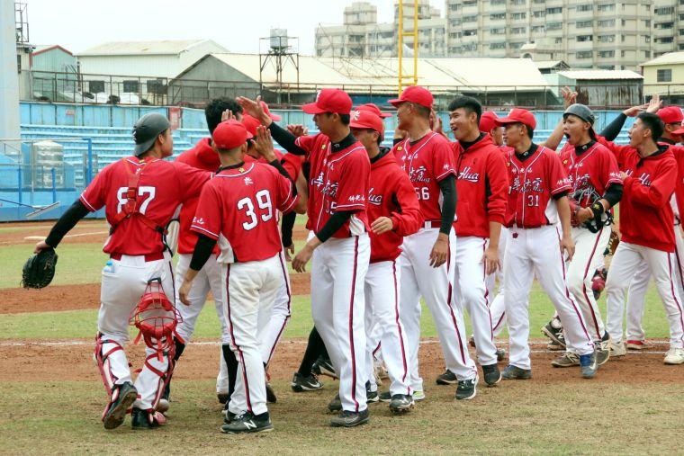 . 南華大學隊史首度晉級四強。