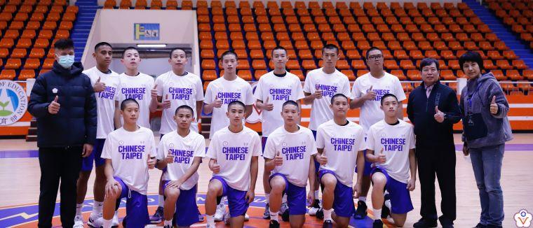 JHBL衛冕軍苗栗大倫男籃全隊披掛ISF中華隊球衣出賽。大會提供