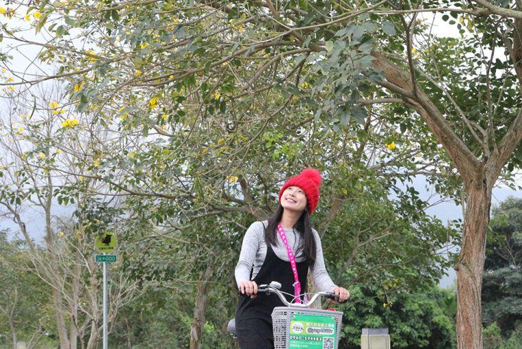 KOLLinda騎乘玉富自行車道。官方提供
