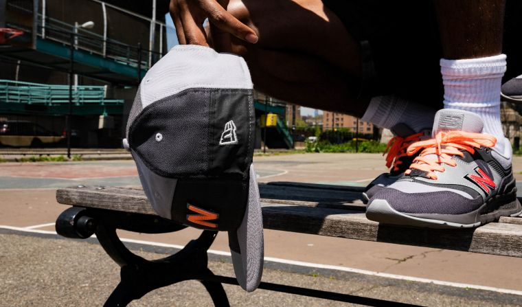 New Era x New Balance 從頭到腳的時尚潮流。大會提供