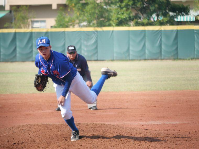 大理高中先發投手陳麒安。吳敏欣攝
