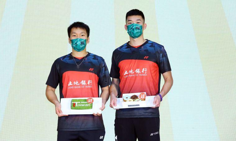東奧金牌李洋/王齊麟為台灣運彩抽出百萬現金得主。官方提供