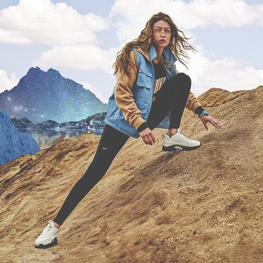 Reebok再次攜手國際超模Gigi Hadid 全新聯名系列注入戶外運動風格。官方提供