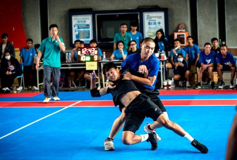卡巴迪運動混合反應、摔角、短途衝刺跑等基本條件。高雄市體育總會卡巴迪運動委員會提供