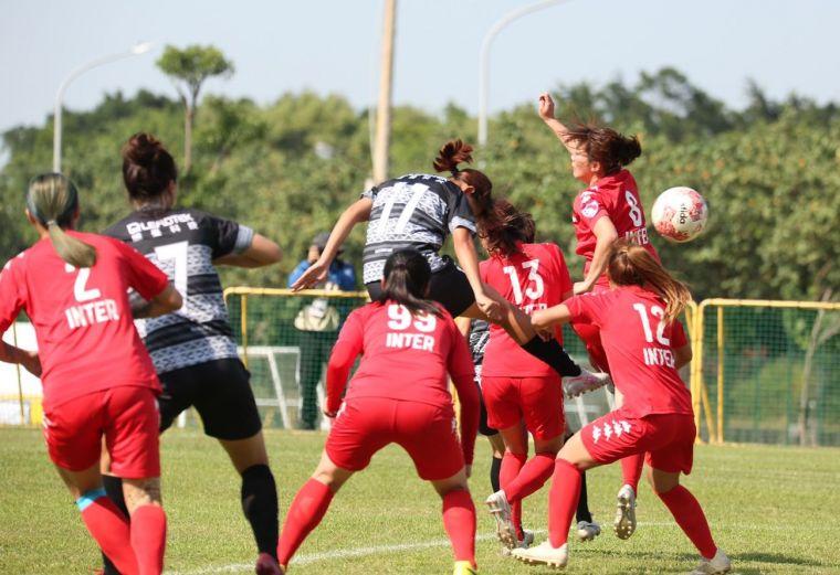 花蓮女足卓莉萍開賽7分鐘就率先進球。花蓮女足提供