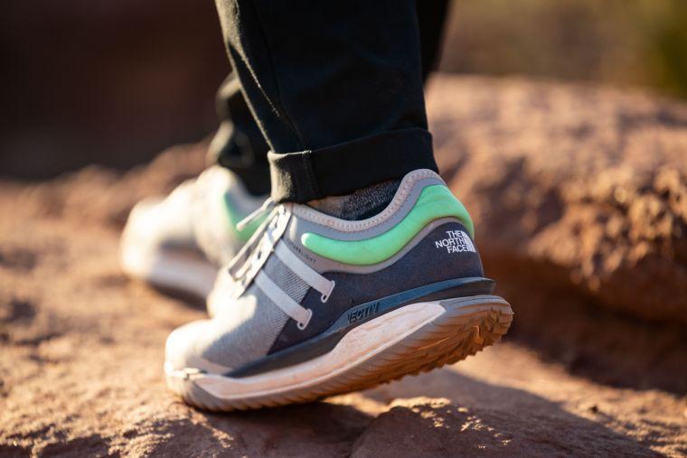 THE NORTH FACE VECTIV ™  ESCAPE  FL防水徒步運動鞋。官方提供