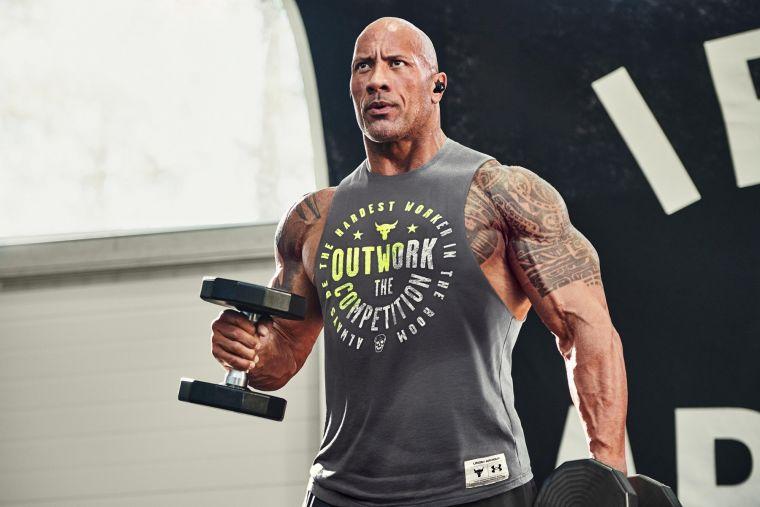 UA攜手好萊塢悍將 巨石強森The Rock推出硬派風格訓練服飾,展現STRENGTH IS A STATE OF MIND 練就強大意志。官方提供