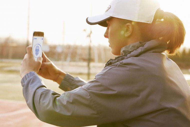 Uplifting Minds網頁包含25個運動項目,透過運動前後的臉部掃描及自我檢測問答,了解運動如何有效提振人們的心靈。官方提供