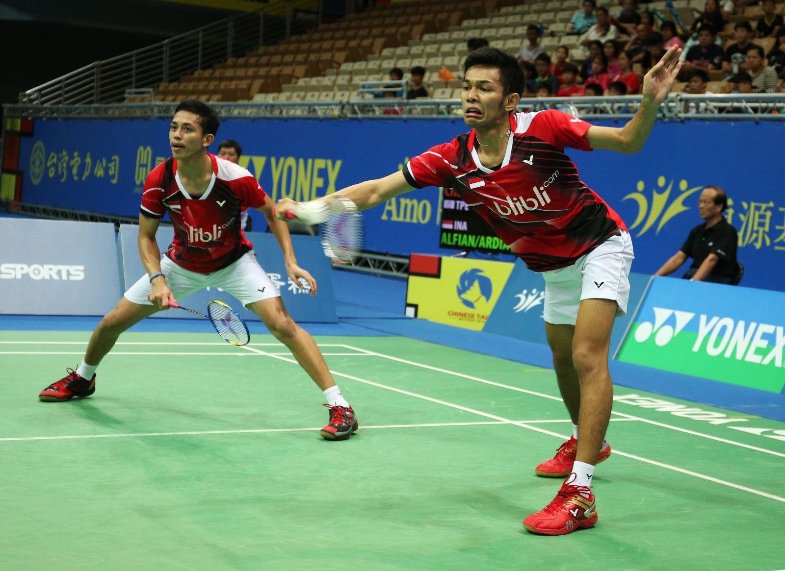 印尼年輕組合法賈爾(右)萊恩艱苦贏得生涯首座G.P.等級男雙冠軍/李天助攝