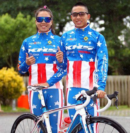臺灣自行車登山王挑戰姊弟檔,左為姊姊張婷婷,右為弟弟張家豪。(中華自行車騎士協會提供)