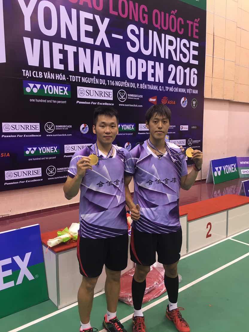 台灣男雙李洋(左)李哲輝終嚐國際賽首冠滋味/教練李維仁提供