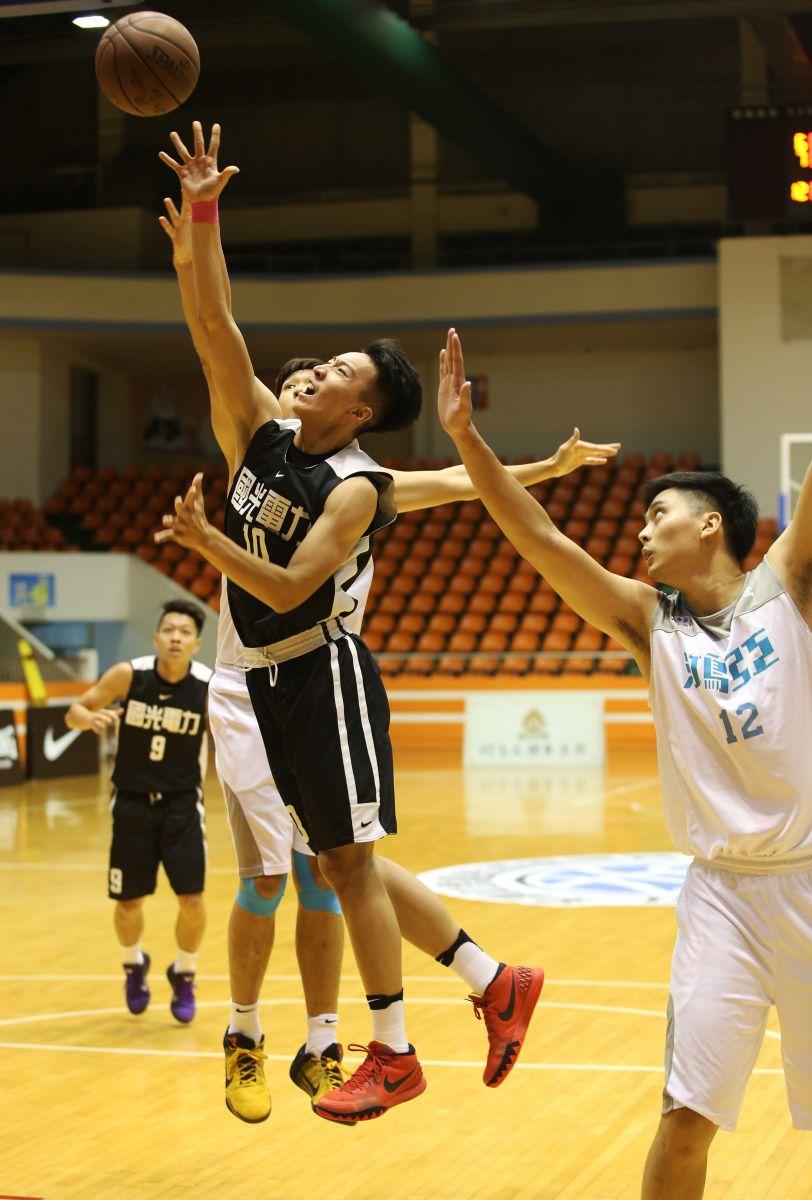 簡祐折冠軍戰表現搶眼。圖/中華民國籃球協會提供